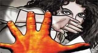 लोहारा : १० वर्षाच्या शाळकरी मुलीवर सामूहिक अत्याचार, तीन जणांवर अखेर गुन्हा दाखल