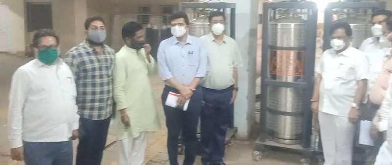 उस्मानाबाद जिल्हा शासकीय रुग्णालयास पाच जम्बो ड्युरा ऑक्सीजन सिलेंडर उपलब्ध